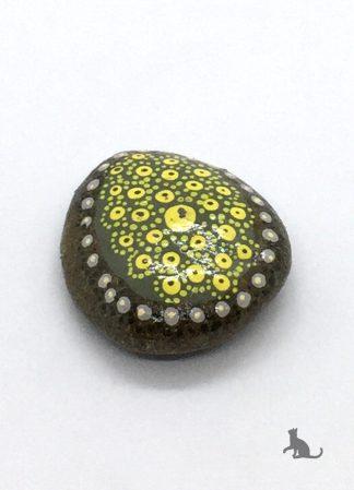 bemalter Stein grün gelb aus Petras Bastelecke