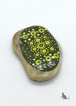 bemalter Stein hellgrün aus Petras Bastelecke