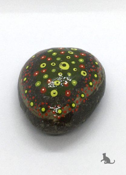 bemalter Stein grün aus Petras Bastelecke